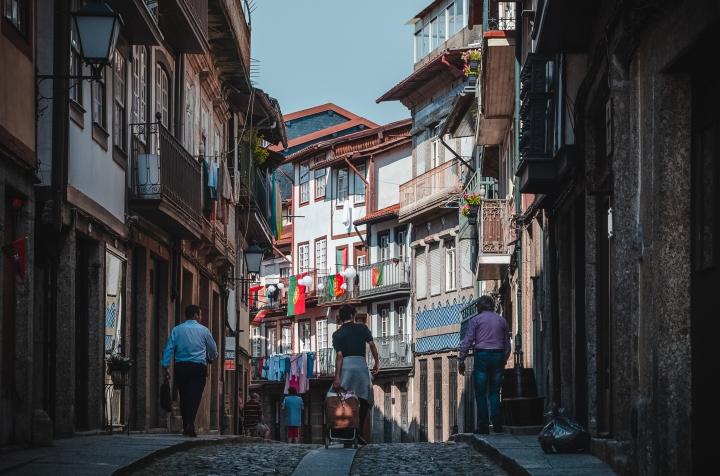 Rua Egaz Moniz.jpg